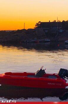 River båter